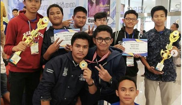 Santri Al Bayan Anyer Raih 2 Medali Emas di Kompetisi Robotik Nusantara (KRON)