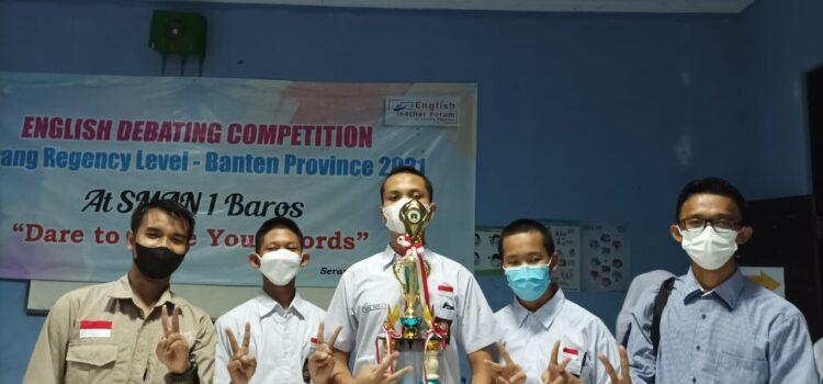 Tim Al Bayan Anyer Juara Kompetisi Debat Bahasa Inggris